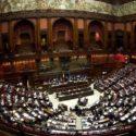 """Renzi : correggere al Senato la legge sulla """"legittima difesa"""""""