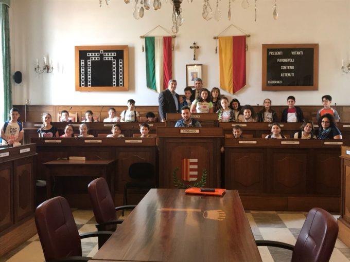 Cava dei Tirreni: studenti in visita a Palazzo di Città