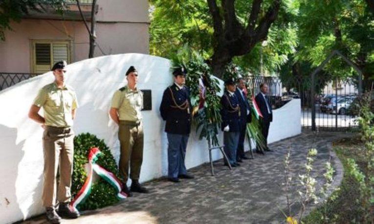 Salerno: cerimonia di commemorazione per i poliziotti vittime dell'attentato terroristico del 26 agosto 1982