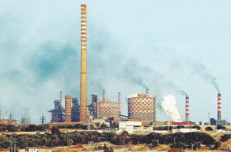 """Taranto, decarbonizzazione ILVA, Emiliano: """"parole del minisro Costa importantissime"""""""