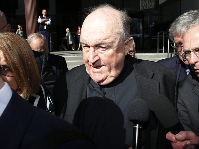 Pedofilia, assolto in appello ex arcivescovo Australia