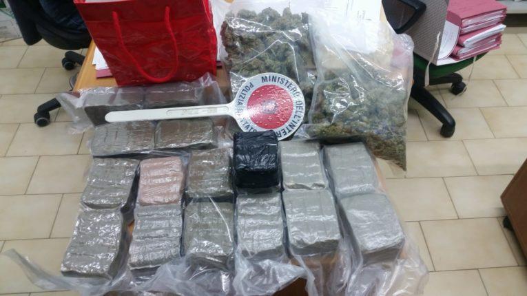 Salerno: deteneva 9 kg di hashish, arrestato per traffico e detenzione di stupefacenti