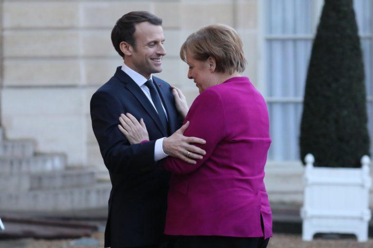 Francia e Germania si preparano a firmare un nuovo trattato per rinforzare e rilanciare l'asse Parigi-Berlino