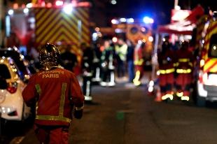 Parigi: palazzo in fiamme, 7 morti e 25 feriti