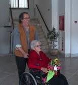 A Ischia una nonnina di 104 anni va a votare