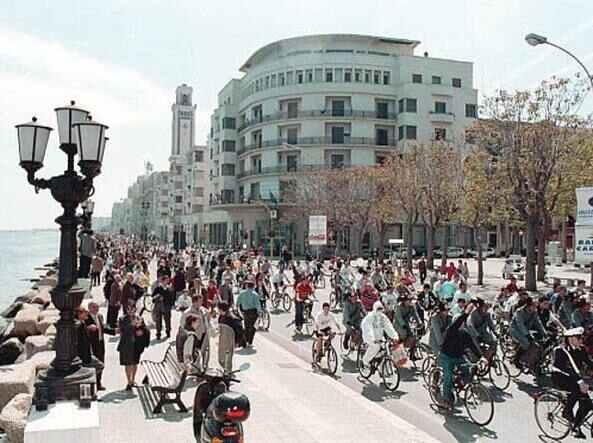 Bari: nuova edizione della pedalata Bimbimbici