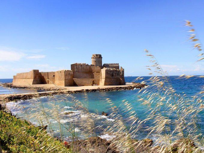"""Riapre la fortezza """"Le Castella"""" in Calabria a Isola Capo Rizzuto"""
