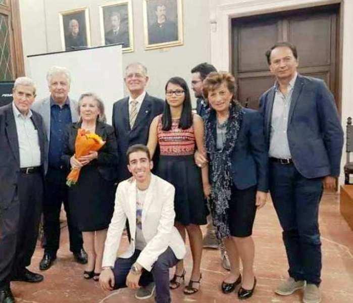 """Catanzaro: grande successo del concorso di poesia """"Nessuno è perfetto"""", organizzato dalla Dante Alighieri, Consolidal e Agimcal"""