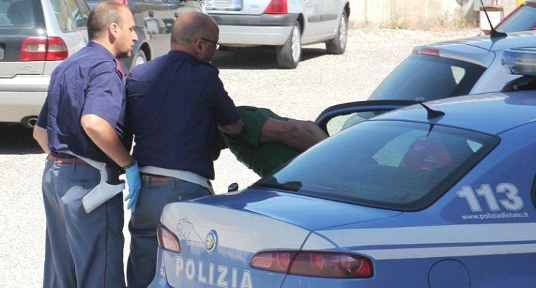 """Salerno:""""Luci d'artista"""", la Polizia di Stato arresta due pusher stranieri sul Lungomare che vendevano droga"""