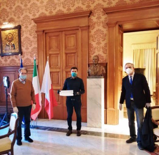 Bari: continuano le donazioni del mondo associativo in favore delle persone in difficoltà