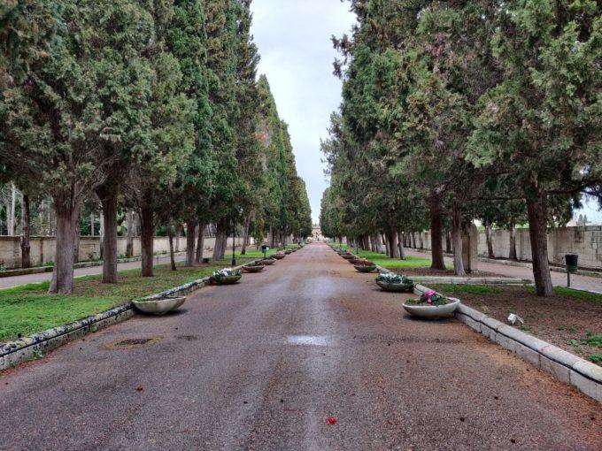 Lecce: Riapertura cimitero comunale con accessi contingentati
