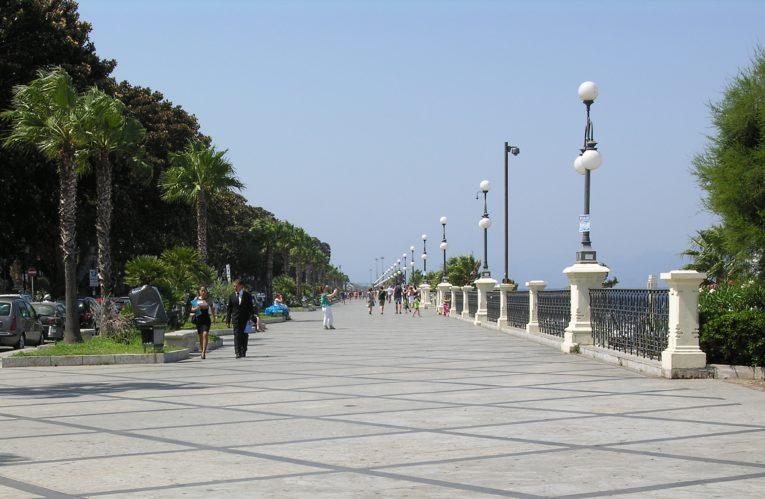 Reggio Calabria: lungomare chiuso alle auto