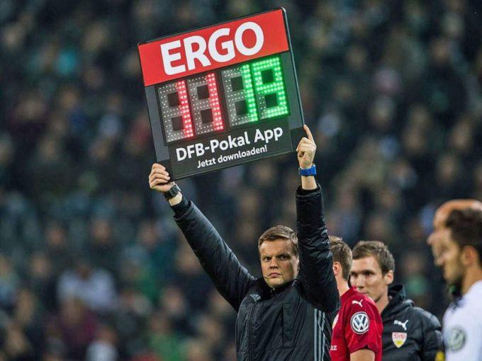 Calcio: effetto COVID, cambio regole, cinque sostituzioni a partita fino a dicembre 2020