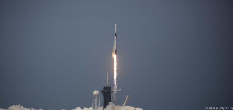 Lanciata la Crew Dragon di Space X, il primo razzo americano dal 2011