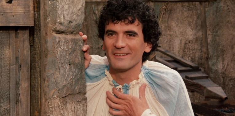 Il 4 giugno del 1994 il triste  addio di Massimo Troisi