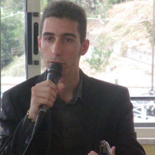 Lo scrittore catanzarese Massimiliano Lepera, dona i suoi libri  per incentivare la cultura in questo periodo critico