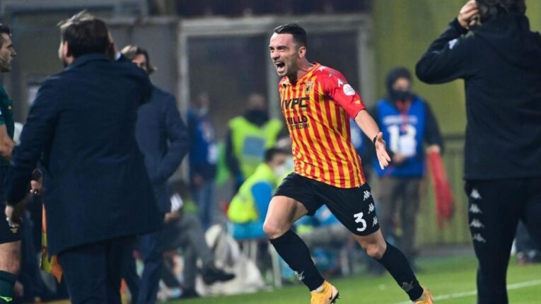 Calcio serie A: Benevento-Juventus 1-1, il napoletano Letizia dedica il goal a Maradona