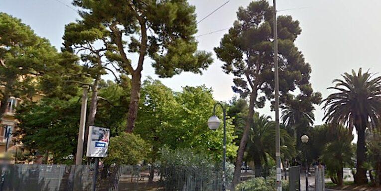 Bari, coronavirus: rischio assembramenti, disposta chiusura di P.zza Garibaldi,  Chiara Lubich e due aree cittadine