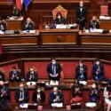 Conte ottiene la fiducia anche del Senato ma il futuro del governo è pieno di incognite