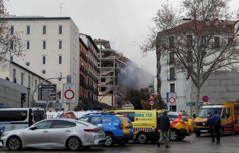 Almeno tre morti nell'esplosione di un edificio  nel centro di Madrid