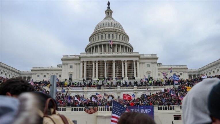 Stati Uniti: quattro morti dopo l'assalto al Campidoglio dei sostenitori pro-Trump