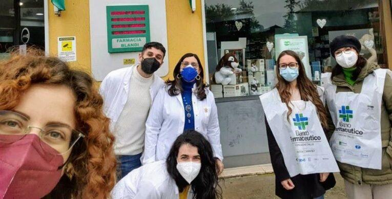 """A Castrovillari, vince la solidarietà: la """"Giornata del Banco Farmaceutico"""" ha fruttato una grande quantità di confezioni di medicinali"""