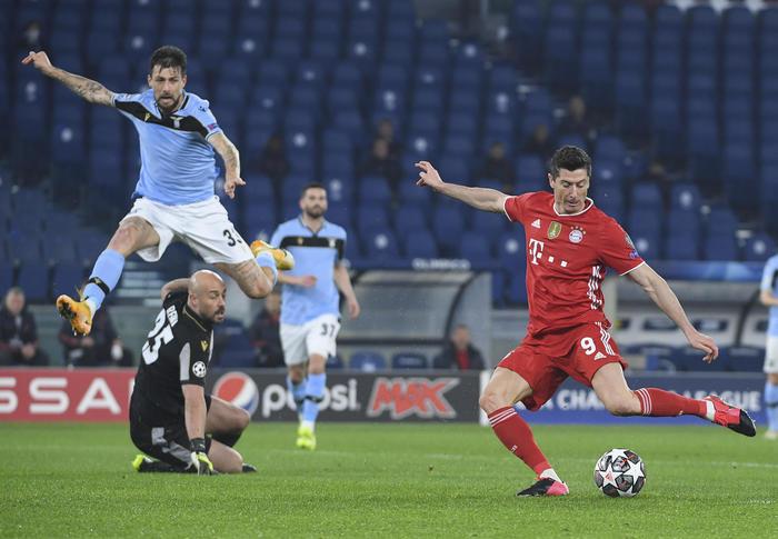 Champions League: il Bayern travolge la Lazio ed ipoteca la qualificazione, l'Atletico Madrid sconfitto in casa dal Chelsea 1-0