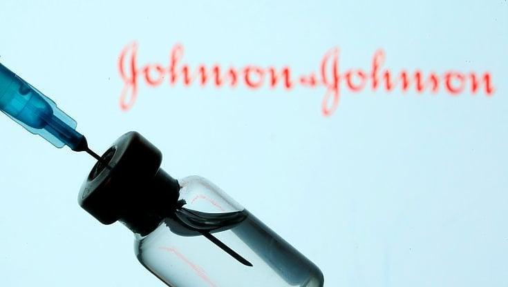 Johnson & Johnson chiede alla FDA di autorizzare il vaccino COVID-19