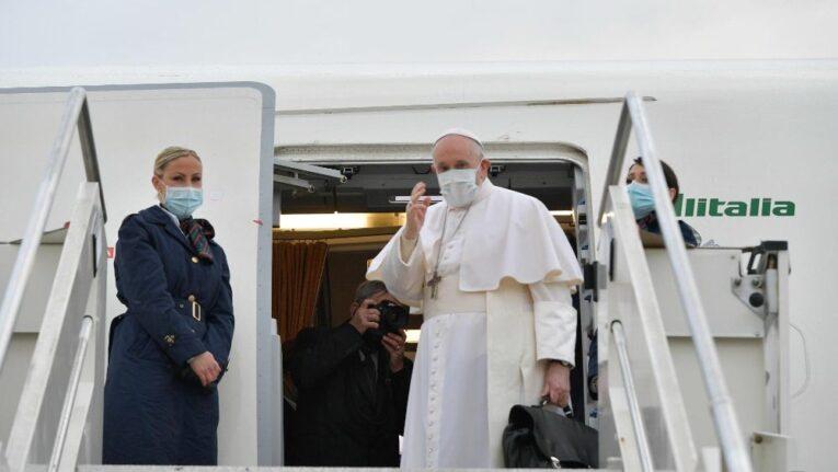 Il Papa  in volo verso Baghdad, inizia la storica visita in Iraq